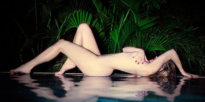 Хлои Кардашьян полностью обнажилась для фото