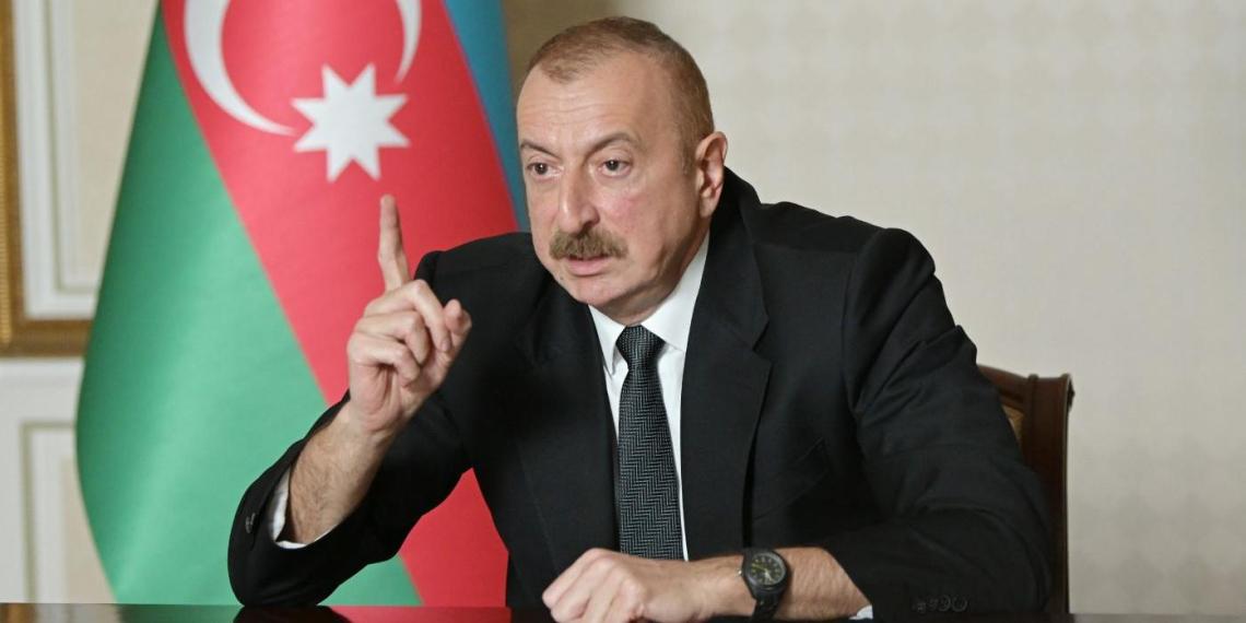 """Алиев потребовал от МИД исполнять его волю и отказаться от """"бессмысленных переговоров"""""""