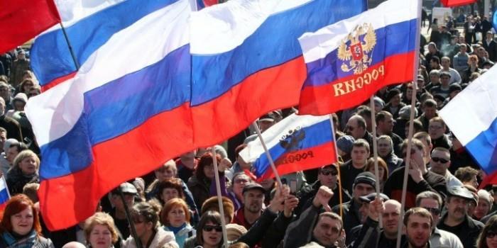 Почти половина россиян поддерживает контрсанкции против Запада