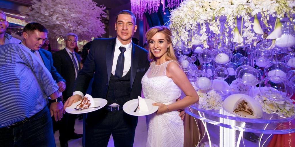 "Бородина ответила критикам: ""От зависти не лопните, что вам торт на развод не выносят"""