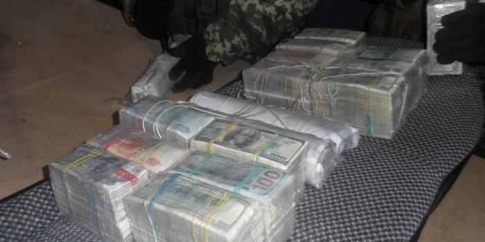 В Москве задержали подпольных банкиров, обналичивших свыше 500 млн рублей