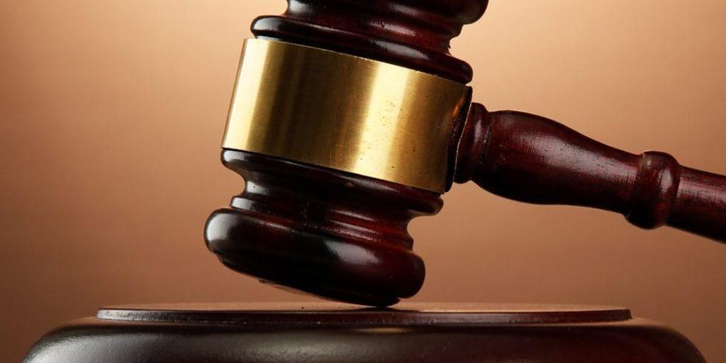 "Австрийский суд разрешил ответчице называть истца ""засранцем"""