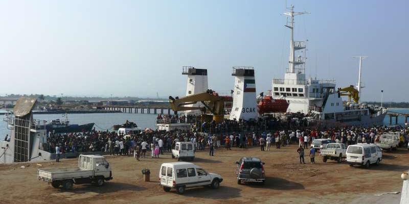 Пираты в Гвинейском заливе взяли в плен россиян