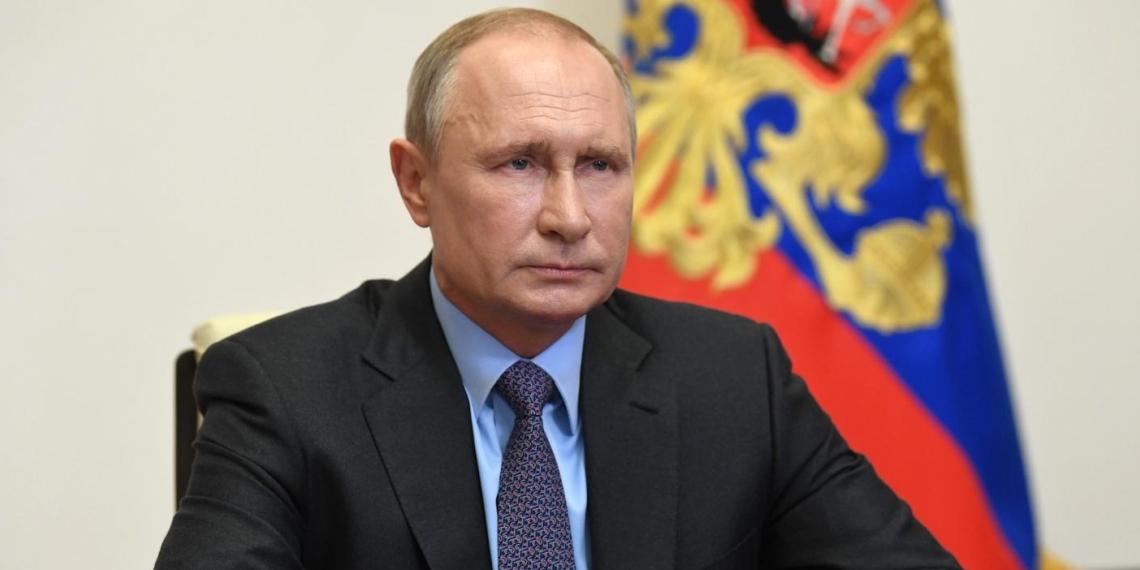 Президент РФ: число тестирований на коронавирус к середине мая будет удвоено