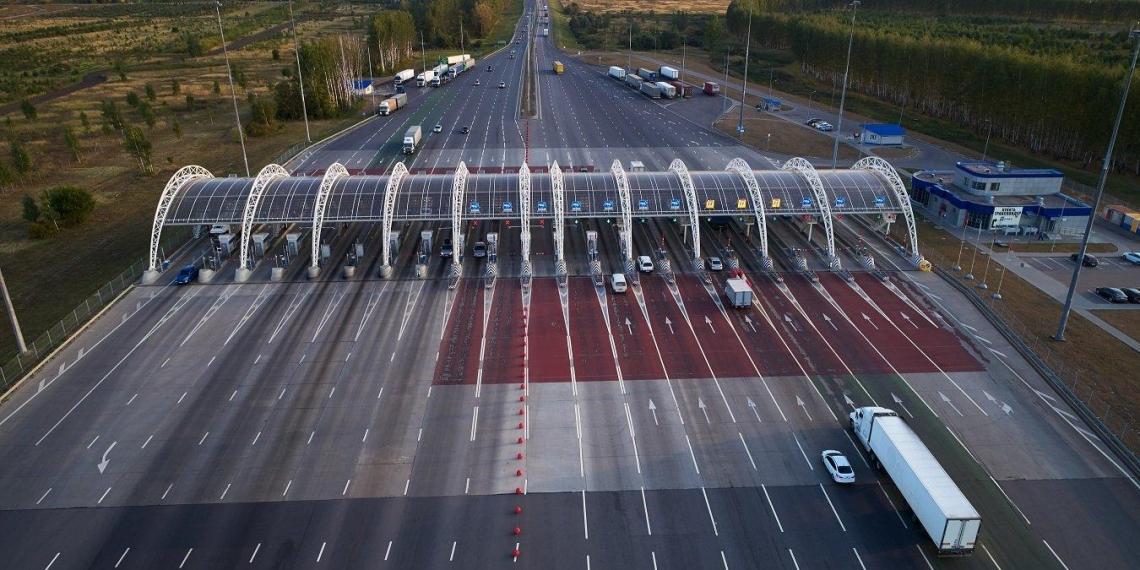 Электрокары получат свободный проезд по платным дорогам