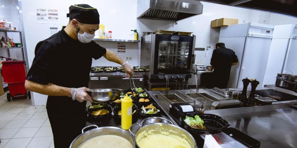 Ресторанный бизнес в Москве восстановился на 74%