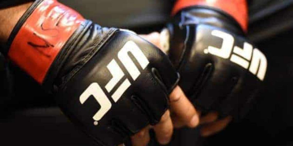 В рейтинг лучших бойцов UFC попали двое россиян