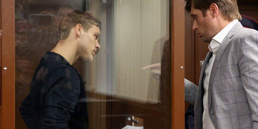 ФОМ: 40% россиян поддерживают реальный срок для Мамаева и Кокорина