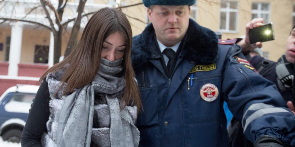 Пожизненно лишенную прав Мару Багдасарян вновь задержали за рулем Mercedes