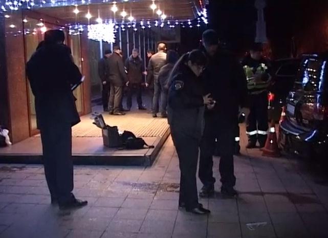 В украинских депутатов неизвестный бросил гранату