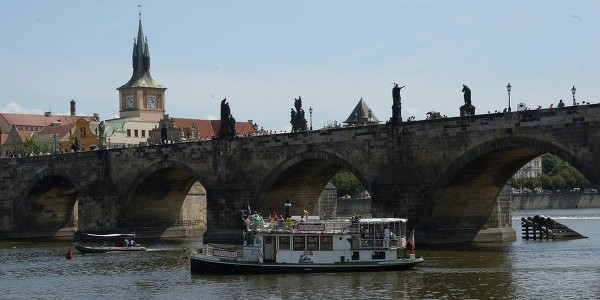 Чешские спецслужбы: Россия воссоздает в Европе Коминтерн