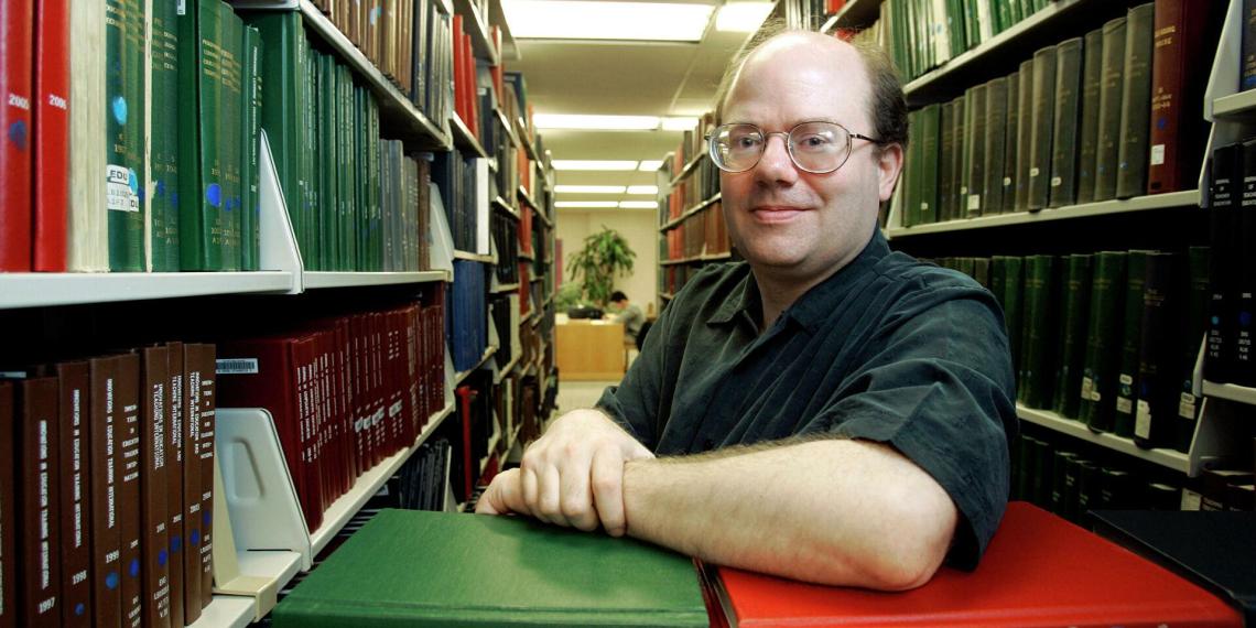"""Основатель """"Википедии"""" заявил, что больше не может доверять своему сайту"""