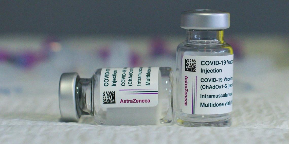 Подтверждена связь между вакциной AstraZeneca и тромбозами