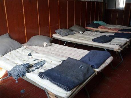 Украинские военные из Крыма показали в какое жилье их селит Минобороны Украины