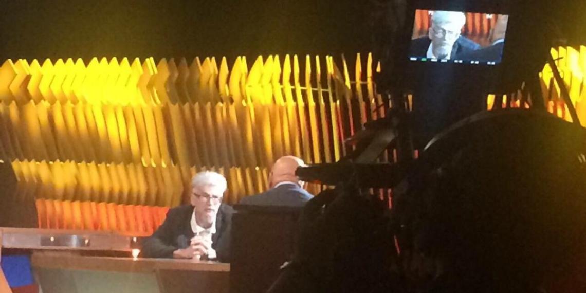Познер предложил закрыть программу после отказа Первого канала показывать интервью с Лимоновым