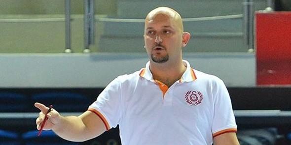"""Тренер турецкого """"Галатасарая"""" прокомментировал обвинения волейболистки Кошелевой"""