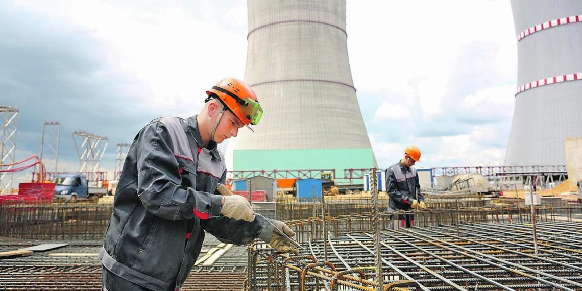 Минск просит Россию смягчить условия кредита на строительство БелАЭС