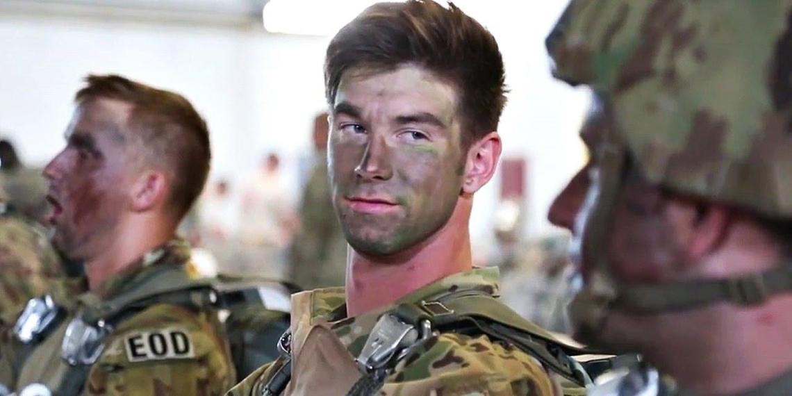 """""""Щекочут нос"""": американские военные выступили в поддержку лобковых волос у женщин"""