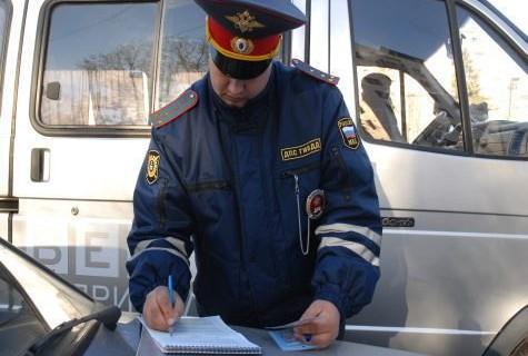 В Госдуме предложили лишать алиментщиков водительских прав