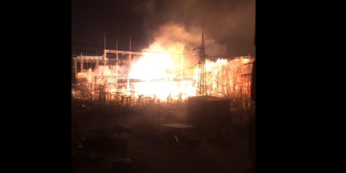 Мурманск остался без электричества после взрыва на подстанции
