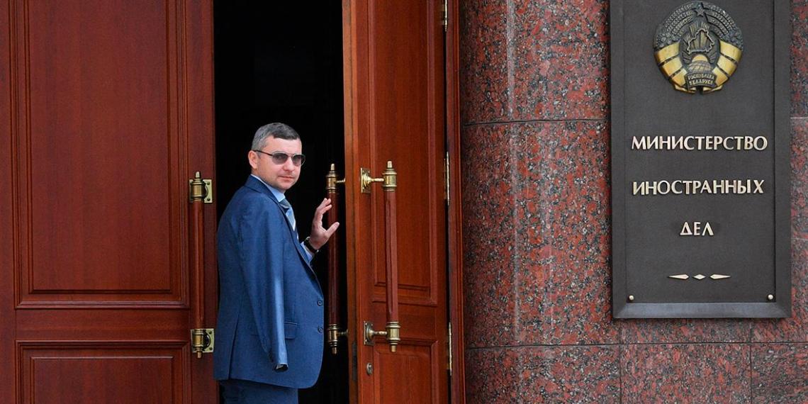 Белоруссия обязала Польшу и Литву сократить число дипломатов и отзывает своих послов