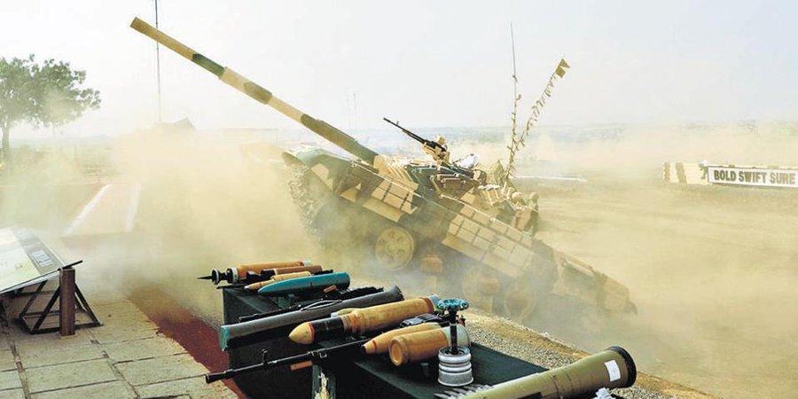 Эффектный маневр Т-72 в Индии сняли на видео