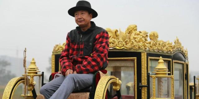 Китаец соорудил копию королевской кареты Елизаветы II за 14 000 долларов