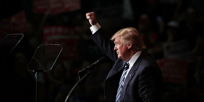 В штабе Трампа пообещали отменить порядка 70% указов Обамы