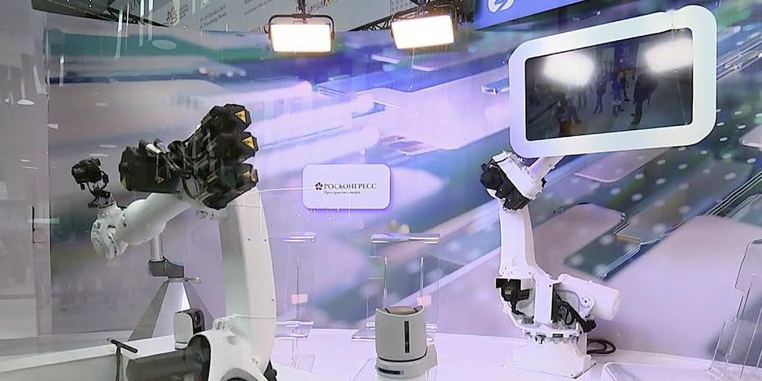 """Интерактивная студия общества """"Знание"""" собрала 18 миллионов просмотров за два дня работы на ПМЭФ-21"""