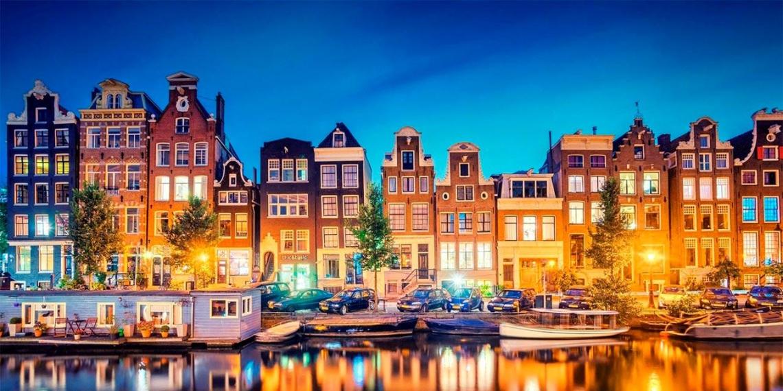 В Нидерландах усиливают ограничительные меры из-за COVID-19