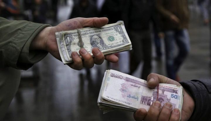 Иран отказался использовать доллар в расчетах с зарубежными странами