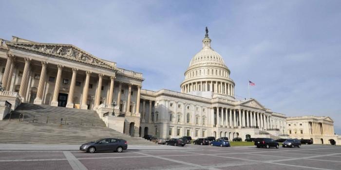 Сенат США намерен помешать Трампу отменить санкции против России