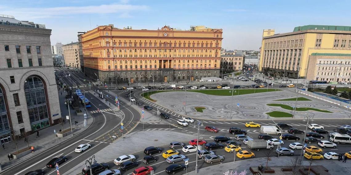 Началось голосование по выбору памятника на Лубянской площади
