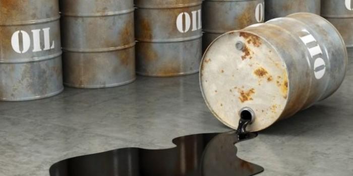 Мировые цены на нефть резко падают