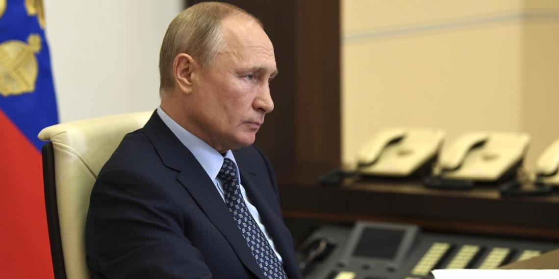 Владимир Путин провел совещание по ситуации с распространением коронавируса в России