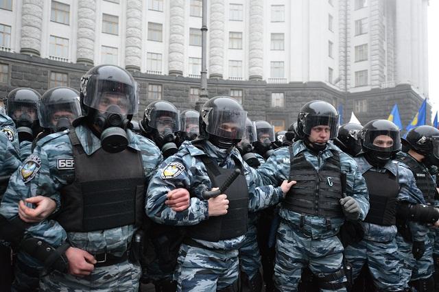 """Журналисты Reuters не нашли доказательств причастности """"Беркута"""" к стрельбе на Майдане"""