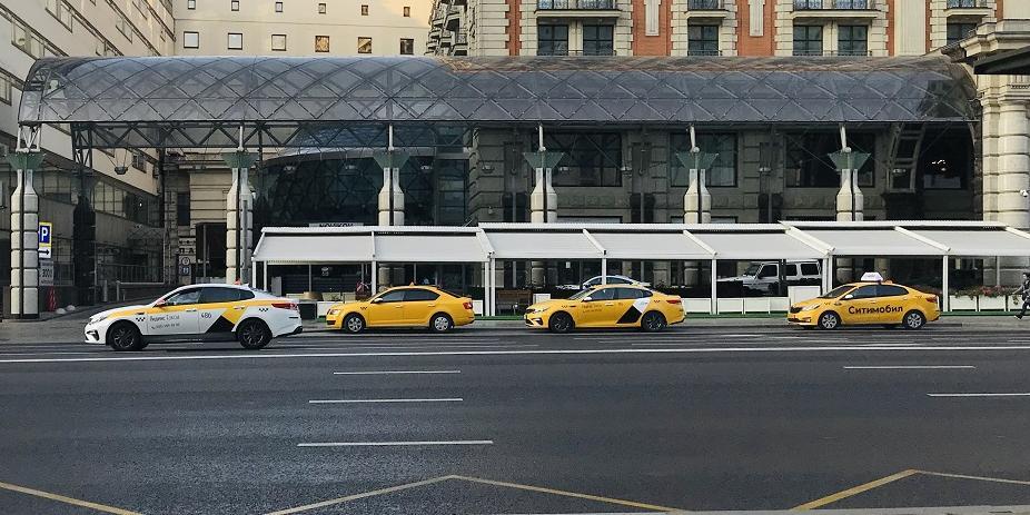 Агрегаторов такси хотят обязать нести ответственность перед пассажирами
