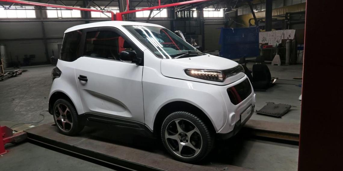 В России до конца года запустят производство первого электромобиля Zetta