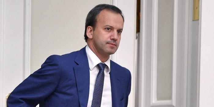 Дворкович поддержал идею не пускать на работу, если сотрудник не проверил здоровье