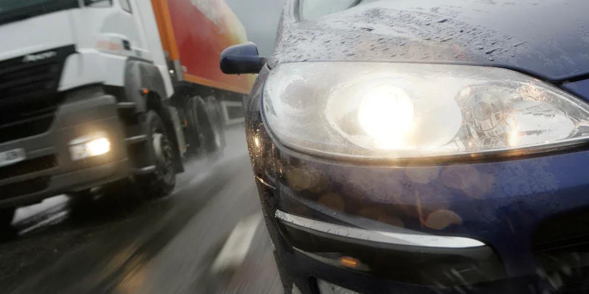 В Эстонии водителей-лихачей будут наказывать 45-минутной стоянкой на обочине