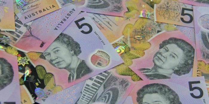 В Австралии выпустили анимированные доллары с прозрачными окошками