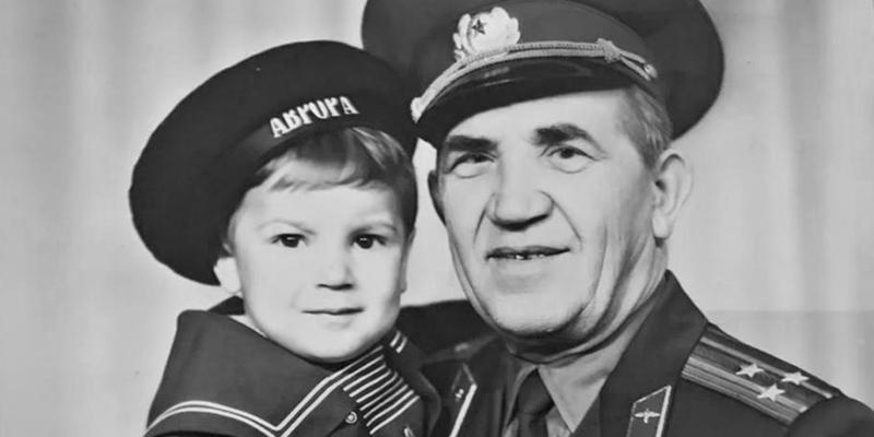В Ростове на помойке нашли переданные музею вещи Героя СССР