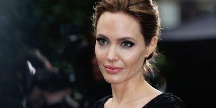Анджелина Джоли после расставания с Питтом решила стать лесбиянкой