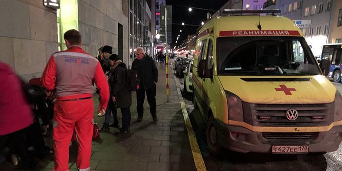 Житель Стокгольма сфотографировал приехавшую на вызов российскую скорую помощь