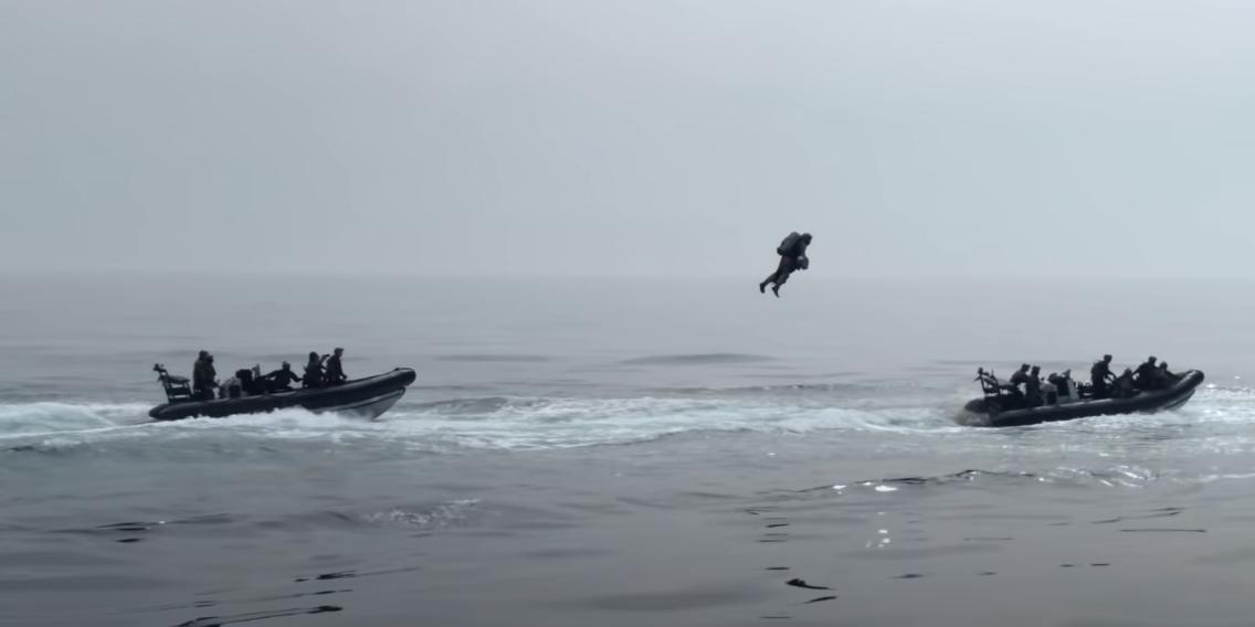 Британские морпехи испытали летающие ранцы