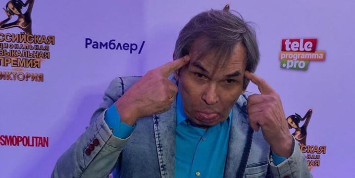 СМИ: Бари Алибасова отправили на скорой в психушку
