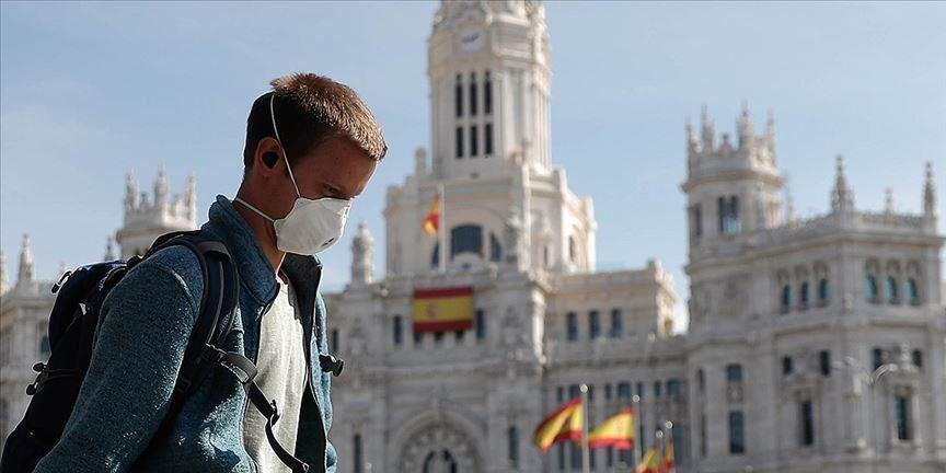 Испания из-за пандемии вводит комендантский час по всей стране