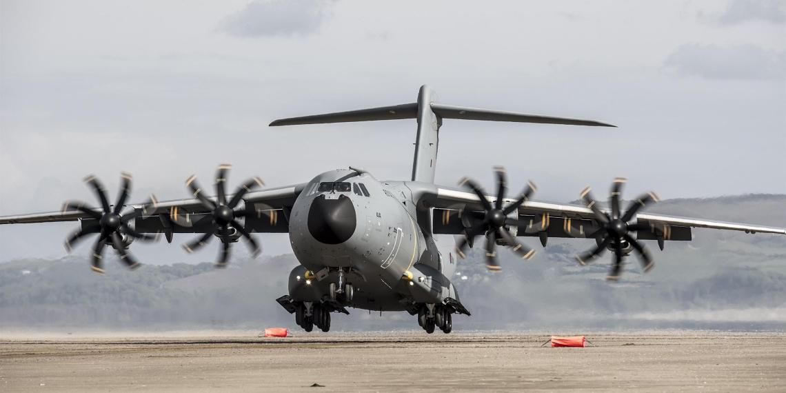 Россию обвинили в попытках заглушить связь у британских военных самолетов