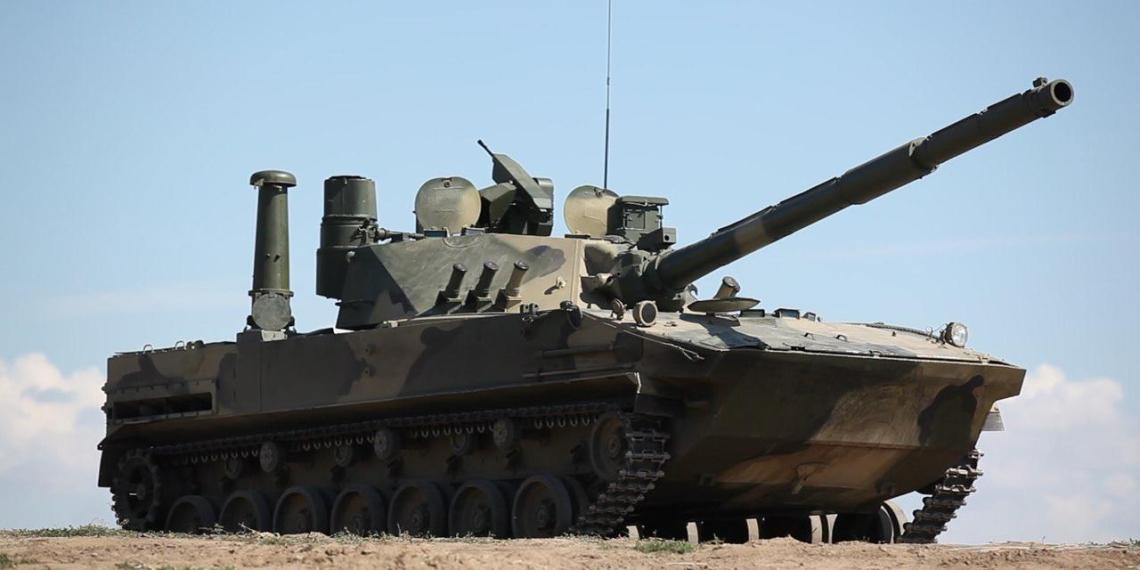 """Плавающий отечественный танк """"Спрут-СДМ1"""" показали на выставке"""