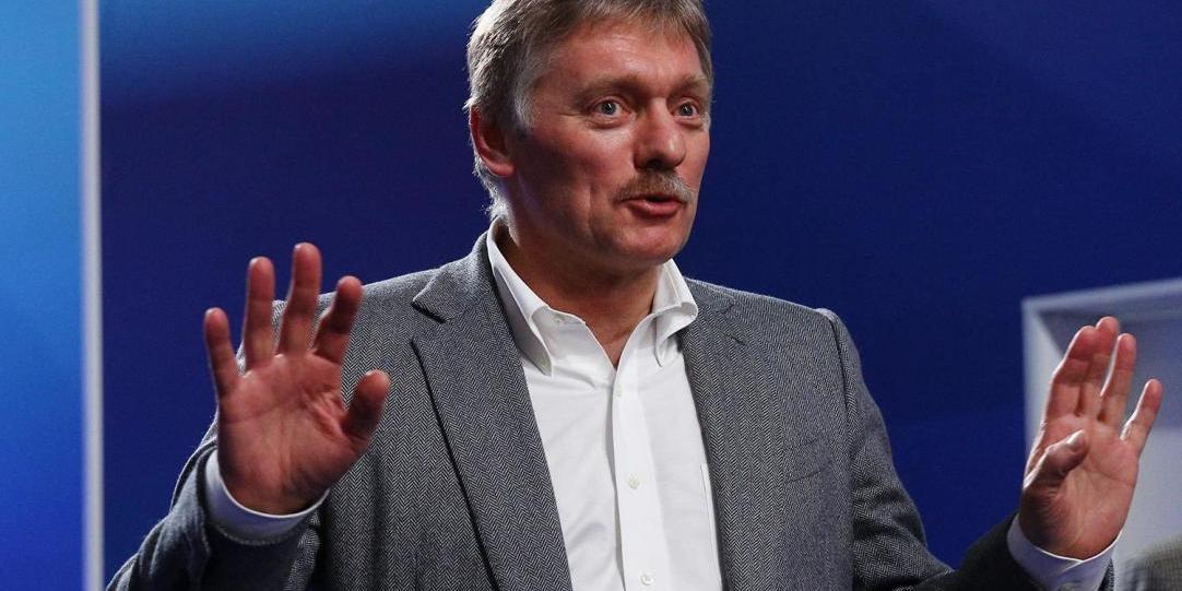 """Кремль отреагировал на заявление Макрона о """"вакцинной войне"""""""